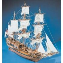 HMS PEREGRIN (1700) mit genähten Segeln